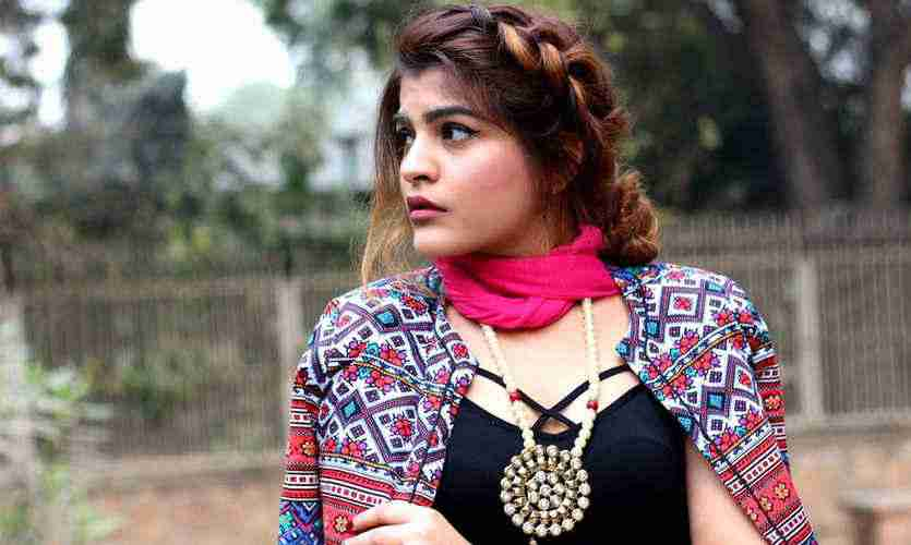 Kritika Has A Degree In Fashion U0026 Design From JD Institute Of Fashion  Technology. Not Only She Is A Famous Fashion Blogger But Also Own An  E Commerce Store ...